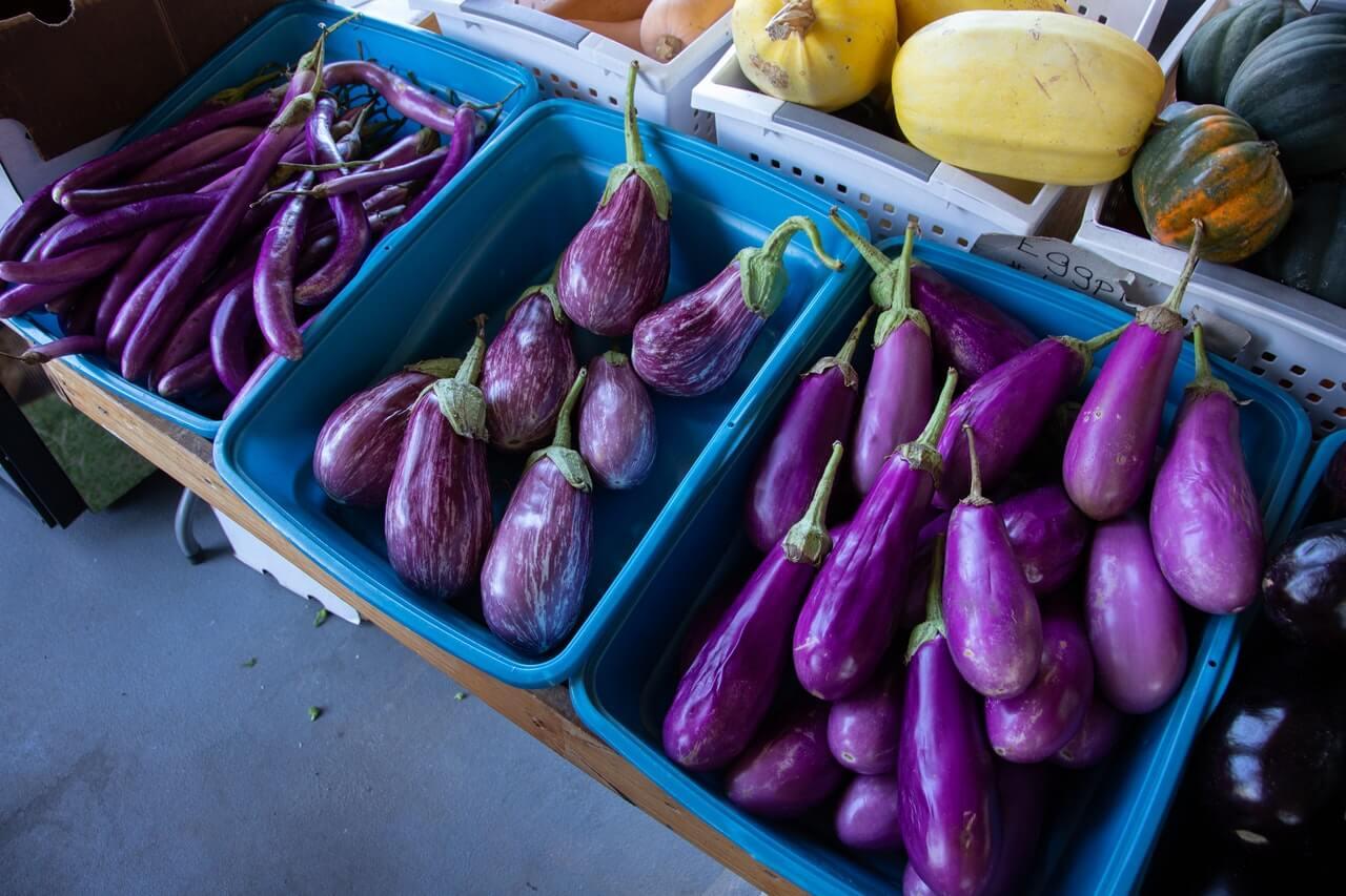 Photo of fresh produce at a market. Image credit: Mark Stebnicki